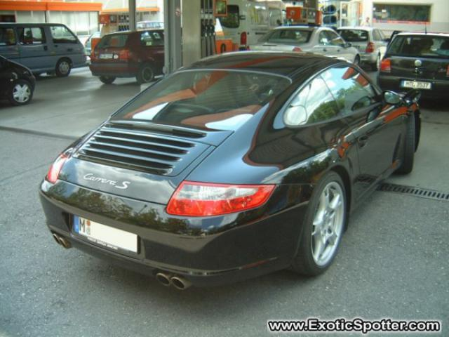 porsche 911 spotted in munich germany on 12 06 2004 photo 2. Black Bedroom Furniture Sets. Home Design Ideas