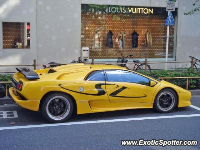 Lamborghini Diablo Spotted In Tokyo Japan On 09 10 2006