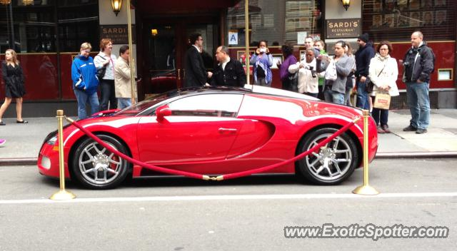 bugatti veyron spotted in manhattan new york on 04 20. Black Bedroom Furniture Sets. Home Design Ideas
