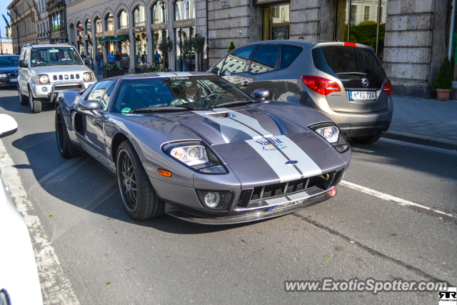 ford gt spotted in munich germany on 05 18 2013 photo 2. Black Bedroom Furniture Sets. Home Design Ideas