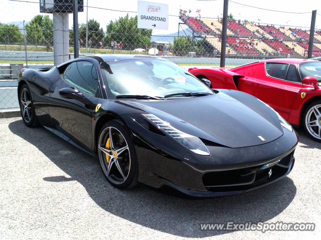 ferrari 458 italia spotted in montmel spain on 05 13 2012 photo 2. Black Bedroom Furniture Sets. Home Design Ideas