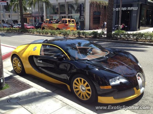 bugatti veyron spotted in los angeles california on 06 04 2013. Black Bedroom Furniture Sets. Home Design Ideas