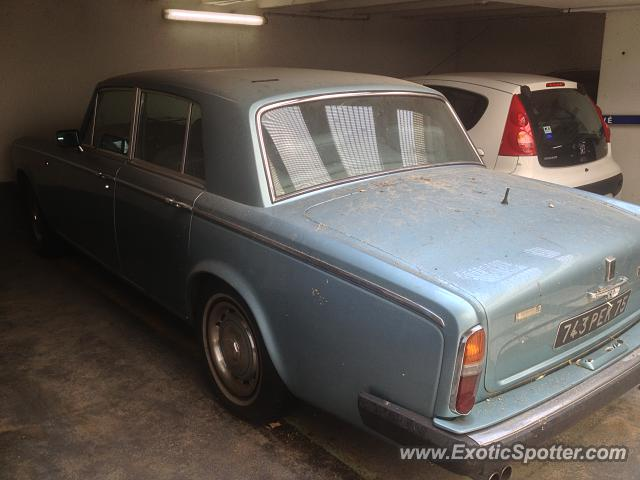 Rolls Royce France : rolls royce silver shadow spotted in paris france on 07 22 2013 ~ Gottalentnigeria.com Avis de Voitures