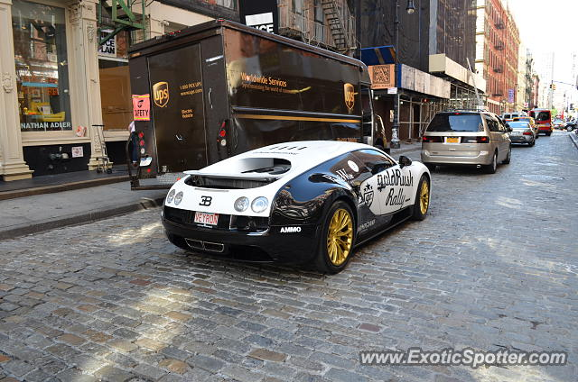 bugatti veyron spotted in new york new york on 07 03 2013. Black Bedroom Furniture Sets. Home Design Ideas