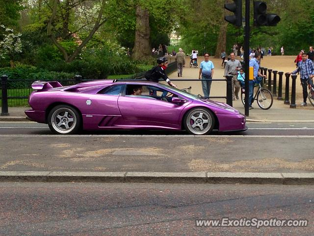 Lamborghini Diablo spotted in London, United Kingdom on 08/04/2013 on 1080p lamborghini diablo, 1366 x 768 lamborghini diablo, black lamborghini diablo, sexy lamborghini diablo, chinese lamborghini diablo, el tony lamborghini diablo, ld lamborghini diablo, classic lamborghini diablo,
