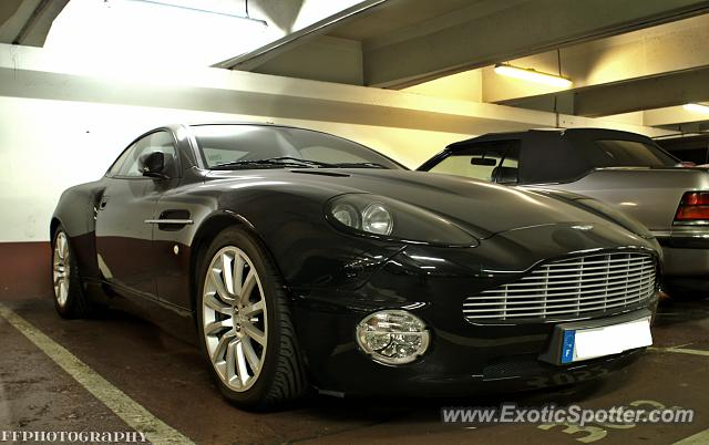 aston martin vanquish spotted in paris france on 07 11 2013 photo 2. Black Bedroom Furniture Sets. Home Design Ideas