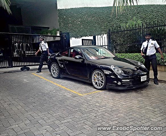 Porsche 911 Turbo Spotted In Mumbai India On 10 08 2013