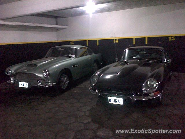 Aston Martin DB4 spotted in Buenos Aires, Argentina