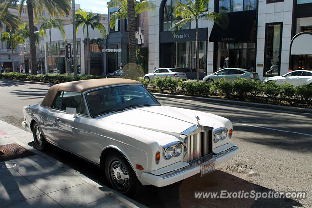 rolls royce corniche spotted in beverly hills california on 11 02 2013. Black Bedroom Furniture Sets. Home Design Ideas