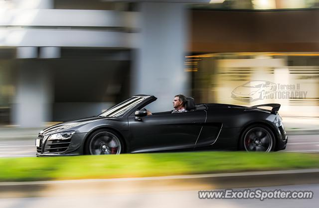 audi r8 spotted in stuttgart germany on 08 10 2013. Black Bedroom Furniture Sets. Home Design Ideas
