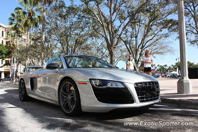 audi r8 spotted in west palm beach florida on 01 12 2014. Black Bedroom Furniture Sets. Home Design Ideas