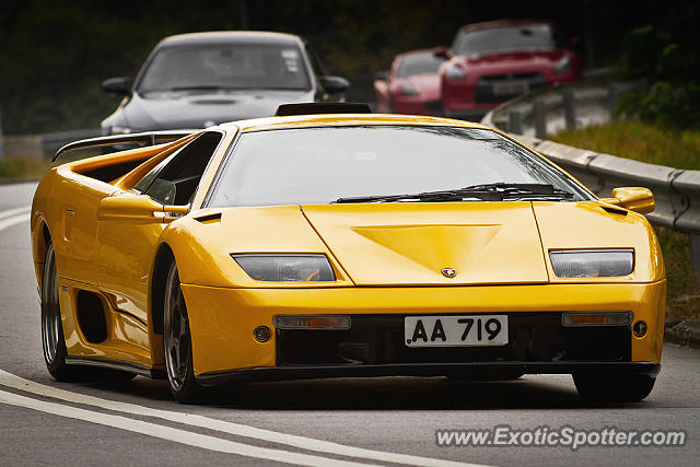 lamborghini diablo spotted in hong kong china on 01 19 2014. Black Bedroom Furniture Sets. Home Design Ideas