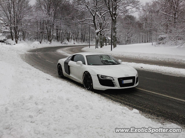 audi r8 spotted in wuppertal germany on 12 17 2010. Black Bedroom Furniture Sets. Home Design Ideas