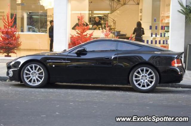 aston martin vanquish spotted in paris france on 01 03 2008. Black Bedroom Furniture Sets. Home Design Ideas
