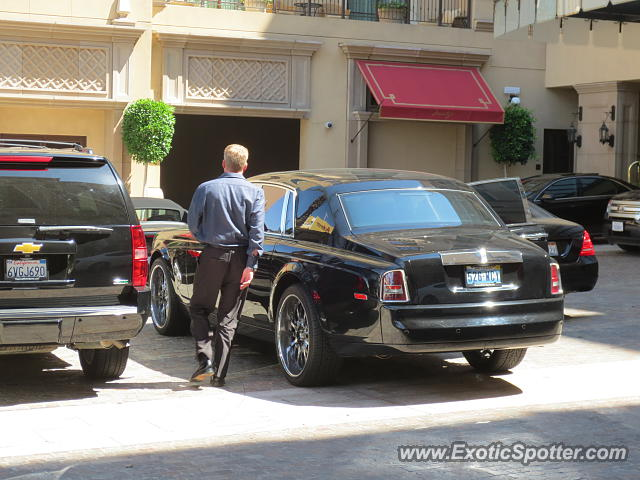 rolls royce phantom spotted in beverly hills california on 07 14 2013. Black Bedroom Furniture Sets. Home Design Ideas
