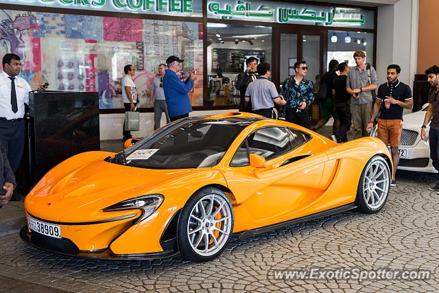 Mclaren P1 spotted in Dubai, United Arab Emirates