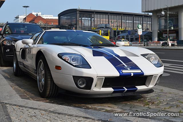 ford gt spotted in berlin germany on 08 31 2013 photo 2. Black Bedroom Furniture Sets. Home Design Ideas