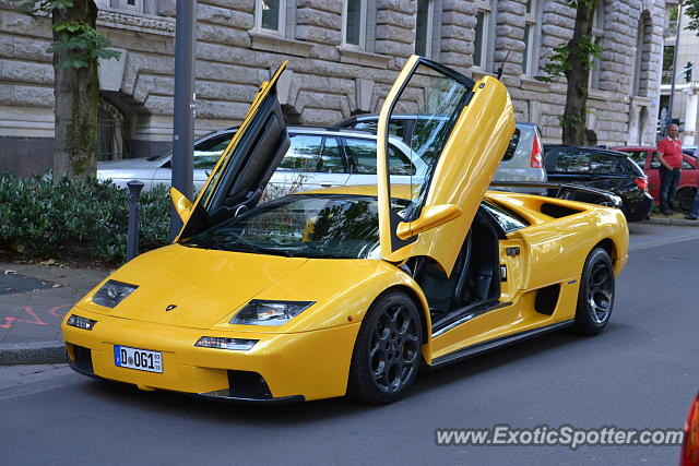 lamborghini diablo spotted in duesseldorf germany on 06. Black Bedroom Furniture Sets. Home Design Ideas