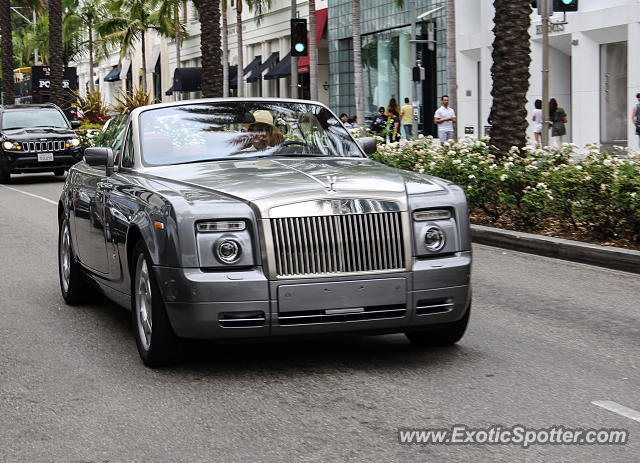 rolls royce phantom spotted in beverly hills california on 06 21 2014. Black Bedroom Furniture Sets. Home Design Ideas