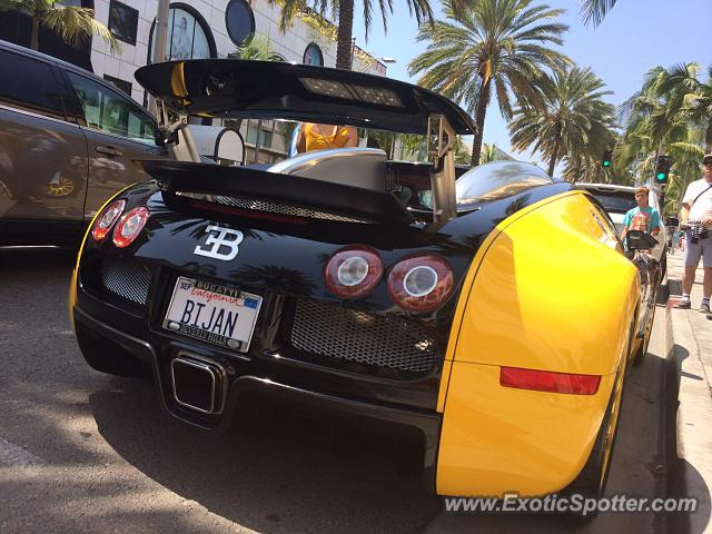 Bugatti Veyron spotted in Rodeo drive, California