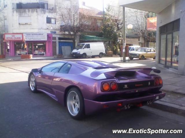 Sabés por qué tenemos Porsche y Ferrari en la Argentina?