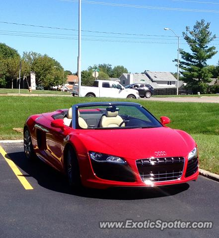 audi r8 spotted in west des moines iowa on 09 02 2014. Black Bedroom Furniture Sets. Home Design Ideas