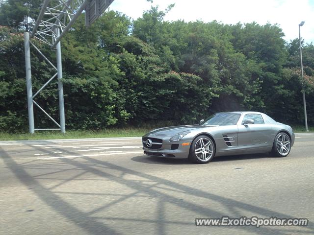 Mercedes sls amg spotted in knoxville tennessee on 09 06 2014 for Mercedes benz knoxville tennessee