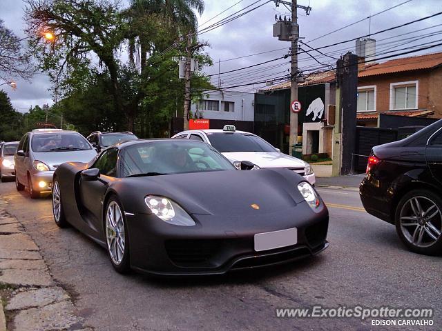porsche 918 spyder spotted in s o paulo brazil on 10 07. Black Bedroom Furniture Sets. Home Design Ideas