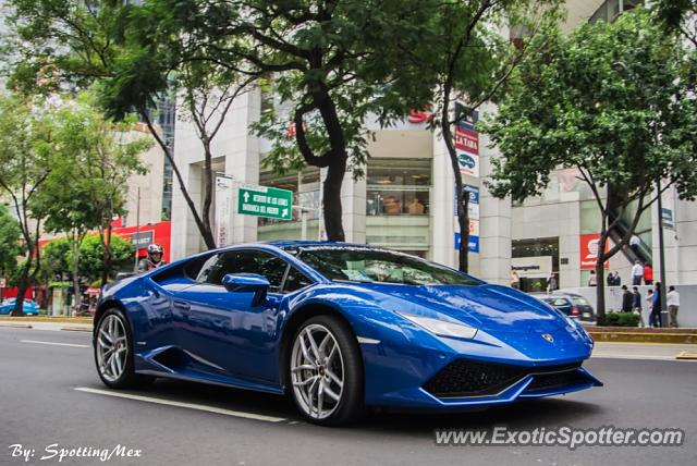 lamborghini huracan spotted in mexico city mexico on 10 14 2014. Black Bedroom Furniture Sets. Home Design Ideas