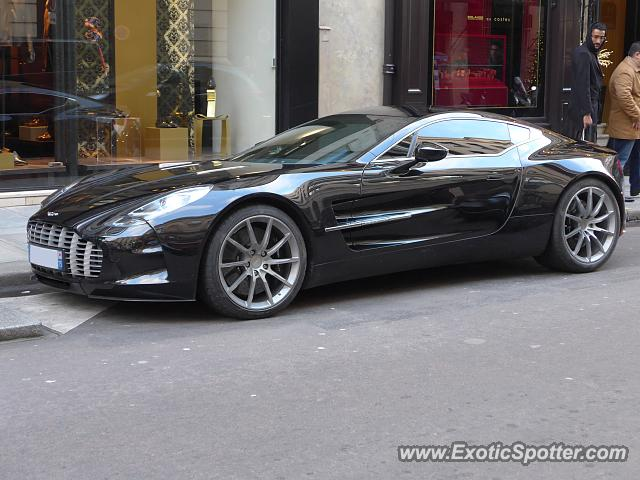 aston martin one 77 spotted in paris france on 01 04 2015 photo 2. Black Bedroom Furniture Sets. Home Design Ideas