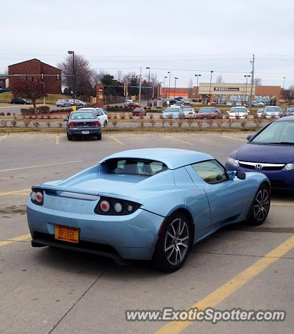 Tesla Roadster spotted in Clive, Iowa