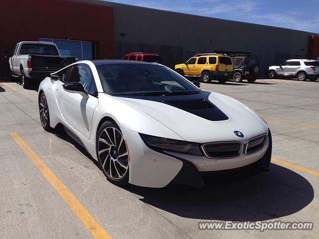 BMW I8 spotted in Albuquerque, New Mexico on 03/24/2015, photo 2