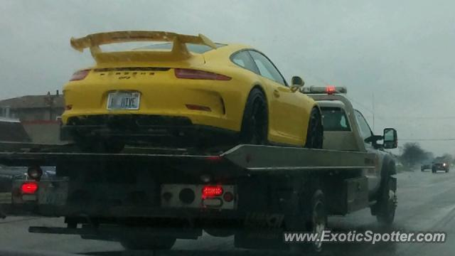 Porsche 911 GT3 spotted in Downers Grove, Illinois