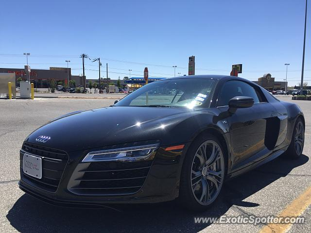 audi r8 spotted in el paso texas on 04 25 2015. Black Bedroom Furniture Sets. Home Design Ideas