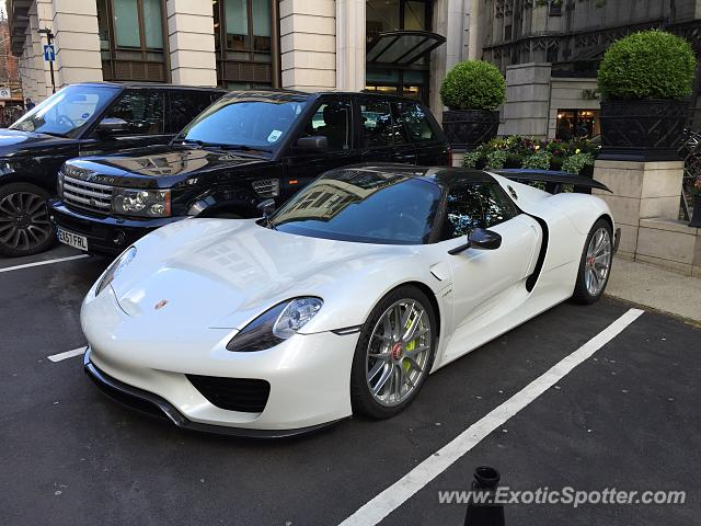 porsche 918 spyder spotted in london united kingdom on 05 20 2015. Black Bedroom Furniture Sets. Home Design Ideas