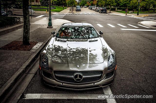 Mercedes sls amg spotted in birmingham michigan on 10 11 2013 for Mercedes benz birmingham mi