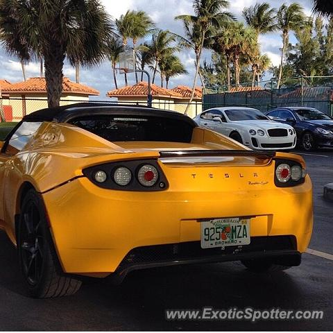 Tesla Roadster spotted in Fort Lauderdale, Florida