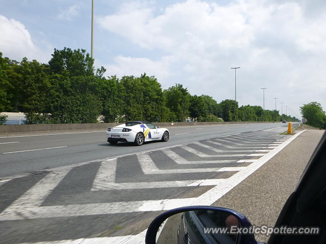 Tesla Roadster spotted in Lincent, Belgium