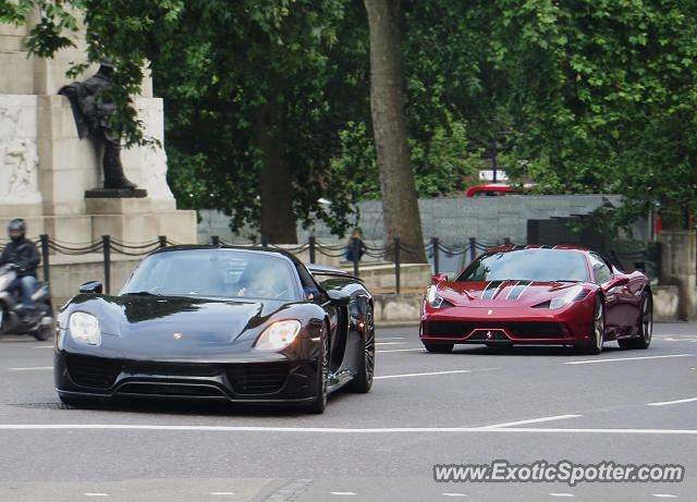 porsche 918 spyder spotted in london united kingdom on 06 26 2015. Black Bedroom Furniture Sets. Home Design Ideas