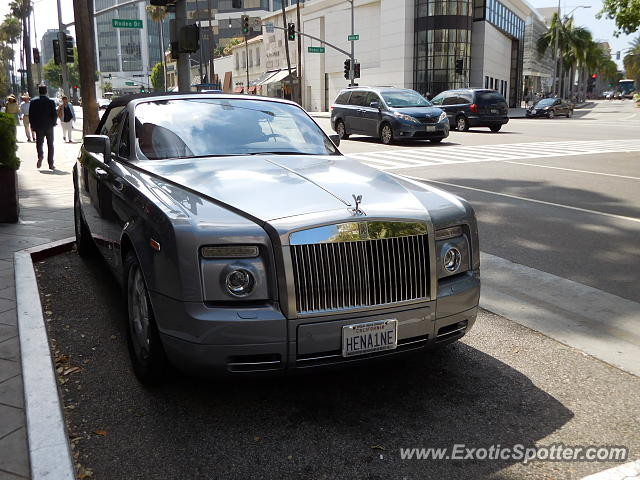 rolls royce phantom spotted in beverly hills california on 07 06 2015 photo 2. Black Bedroom Furniture Sets. Home Design Ideas