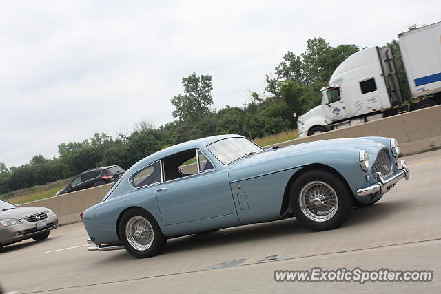 Aston Martin DB4 spotted in Palatine, Illinois