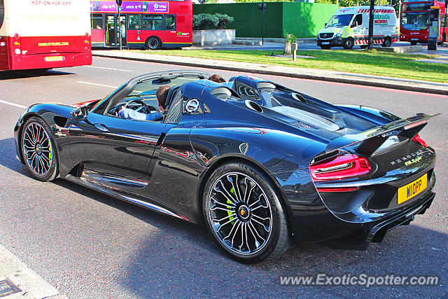 porsche 918 spyder spotted in london united kingdom on 08 21 2015. Black Bedroom Furniture Sets. Home Design Ideas