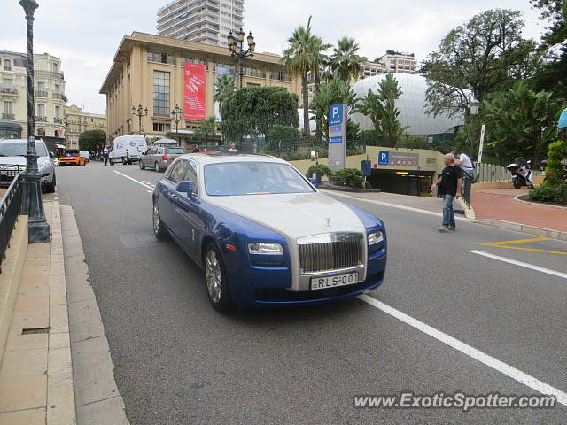 rolls royce ghost spotted in monaco france on 09 30 2014. Black Bedroom Furniture Sets. Home Design Ideas