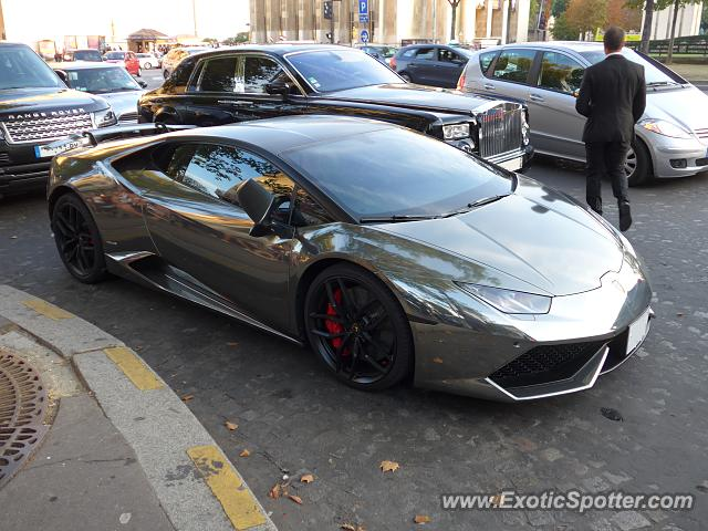 lamborghini huracan spotted in paris france on 08 29 2015. Black Bedroom Furniture Sets. Home Design Ideas