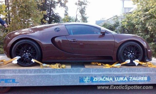 bugatti veyron spotted in zagreb croatia on 09 17 2015. Black Bedroom Furniture Sets. Home Design Ideas