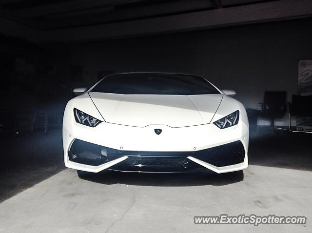 lamborghini huracan spotted in auckland new zealand on 09 19 2015. Black Bedroom Furniture Sets. Home Design Ideas