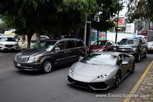 lamborghini huracan spotted in mexico city mexico on 09 29 2015. Black Bedroom Furniture Sets. Home Design Ideas