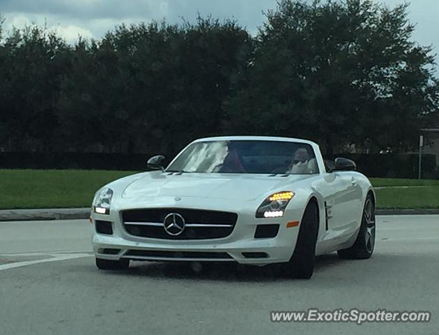 Mercedes sls amg spotted in palm beach florida on 10 10 2015 for Mercedes benz palm beach gardens