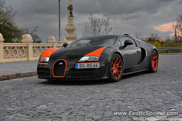 Bugatti Veyron spotted in Warsaw, Poland