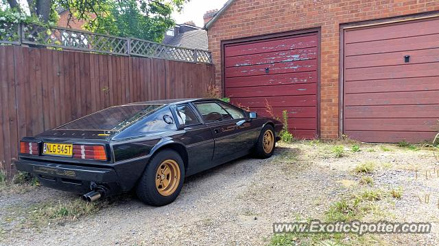 Reading United Kingdom  City pictures : Lotus Esprit spotted in Reading, United Kingdom on 07/11/2015
